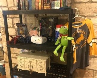 lots of harry potter items-  set of books  and other retro/vintage toys -kids books  SO MANY DIFFERENT kinds of things at this one