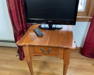 24 TV  Table