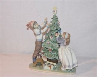 5. Lladro Figurine 5897 Trimming the Tree, AS IS