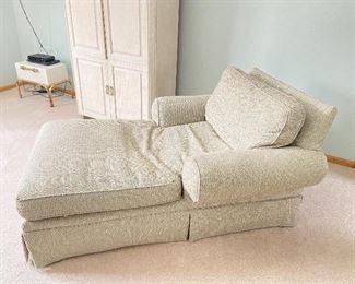 "Chaise lounge- 46""W x 66""L x 32""H"