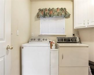 2713 Valley Ct Laundry