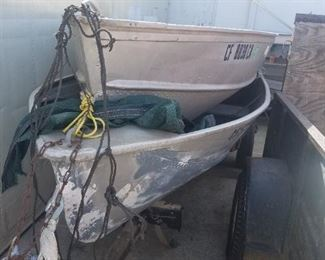 aluminum boat 14ft  -   $700