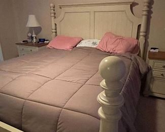 KING BED!  Bed sold. MATTRESS AND BOXSPRINGS AVAILABLE. $200 OBO!!