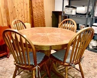 Wooden table w/ one leaf & 4 chairs