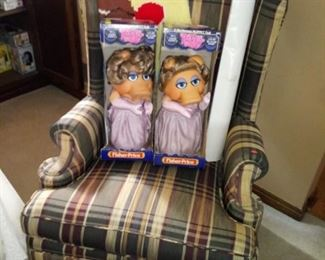 Miss Piggy Puppets - Nice Wing Chair