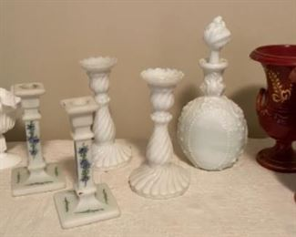 Assorted Decorative Pieces