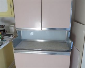 PINK WORKING VINTAGE MID CENTURY REFRIGERATOR FREEZER : IMMACULATE
