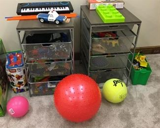 Many toys in great shape and at very low prices!