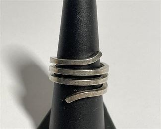 Sterling silver spiral ring - rare Gucci ring - size 7 1/2 - price 200 dollars