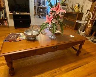 Oak Broyhill Oak Coffee Table