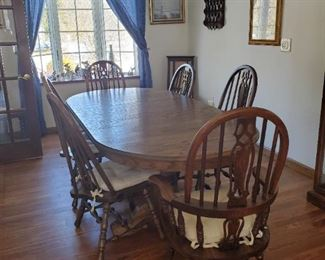 Table 64L x 41D x 20H + 1  Leaf & 6 Chairs