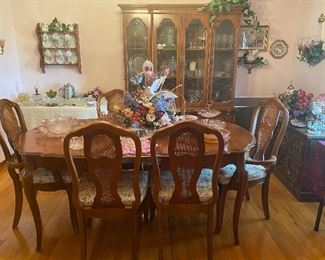 Dining Room Table with 6 Chairs and Matching China Display Cabinet