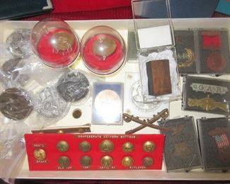 Civil War items, medals and buttons