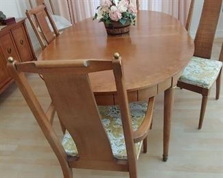 Mid-Century Style Dining Set with 6 Chairs