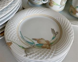 Lot 5561.  $225.00  Hutschenreuther 41 piece Leonard Decor Estoril china set,  includes service for 8. 8 dinner plates, 8 salad plates, 8 bread plates 8 saucers, 8 cups,  and 1 platter. ( a complete set with service for 12 and several serving pieces sold for $1600+. ). These are high-quality dishes, made in Germany.