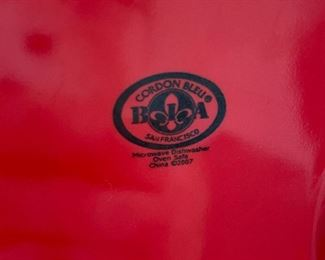 "Lot 5537.  $16.00 BIA  Cordon Bleu Red Star dish. Approximately 13"" diam. x 4"" tall."