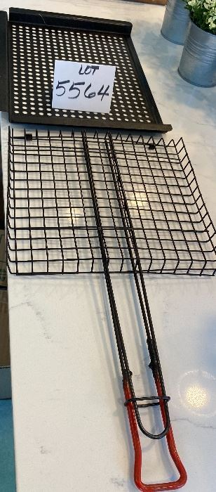 Lot 5564. $12.00. Grill Sheet for Veggies/Meats, flat grill basket with handy handle!