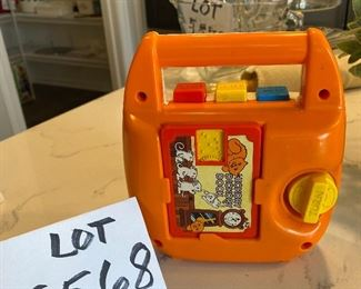 """Lot 5568 $20.00 Tomy """"Bring Along Song Wind-up Music  cassette  Player"""" Vintage & Collectible Toy"""