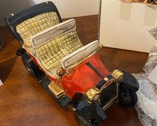 lot 5661.  $25.00. Calamassi Red Wine in Jalopy Car Decanter!