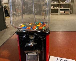 Lot 5681 $125.00 Vintage Victor Vending Gumball Machine