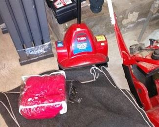 Basement/Garage  Snow Shovel  Electric
