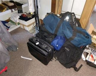 BedRoom/Right:  Bags,
