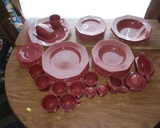 Dining Room:  Dish Set