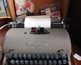 Vintage Remington Quiet Riter Typewriter w/ Suitcase and Original Instruction Booklet