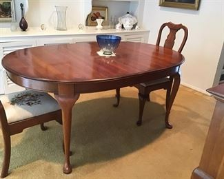 Pennsylvania house dining room table and 4 needlepoint chairs