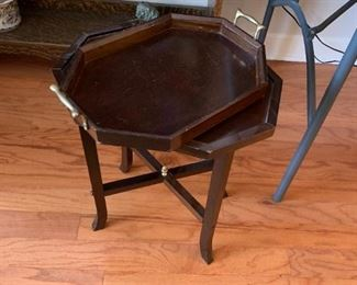 #7Lift-off Tray Table 16x11x20 $30.00