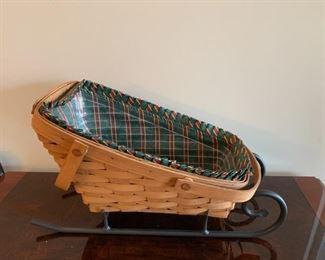 #74Longeberger Sleigh Basket w/liner $35.00