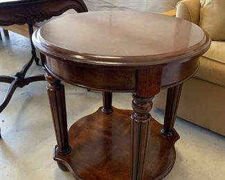 #132Round End Table w/shelf w/flower inlay   24wx25d $75.00