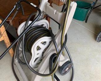 #145Suncast Hose Reel w/hose $20.00