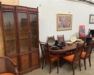 Awesome vintage hutch and matching dining table with 6 chairs.