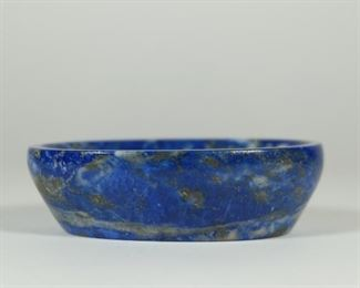 19TH CENTURY A beautiful Lapis Lazuli Stone Oval Shape Tray. Lapis Lazuli is carved from natural stone. If you zoom in on the picture, you can see a lot of huang fruit. If you zoom in on the picture, you can see a lot of pyrite. It is a very good ornament, which shines in the sun and is as beautiful as gold.  Used Condition: In Good condition,as photos. Measures:8.7cm by 6.1cm by 2.5 ;