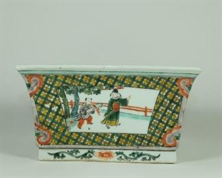 19TH CENTURY A chinese square shape style brush pot or washer.Four sides painted with narrative scenes with figures.Surrounded by various patterns, all eight corners are painted with Ruyi.  Used Condition:One chip otherwise In Good condition,as photos. Measures:17.5cm by 18cm by 9.4cm height;