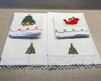 HALF OFF!  $4.00 NOW, WAS $8.00................Beaded Christmas Linens (H093)