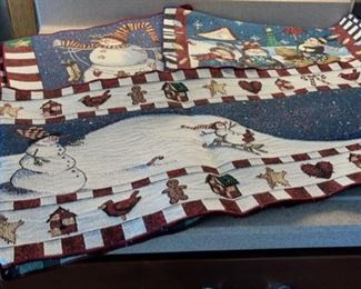 HALF OFF!  $4.00 NOW, WAS $8.00.................8 Placemats and 1 Runner (H095)