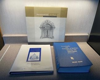 CLEARANCE !  $3.00 NOW, WAS $20.00...................Mayo Clinic Books and Nursing Book (H090)