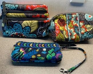 CLEARANCE !  $8.00 NOW, WAS $20.00............Vera Bradley Bags (H088)