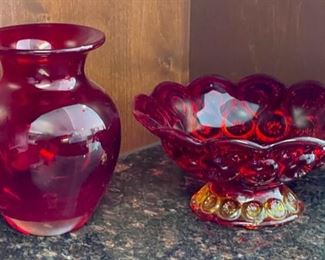 """CLEARANCE !  $3.00 NOW, WAS $8.00.................Red Glassware 6"""" tall (H069)"""