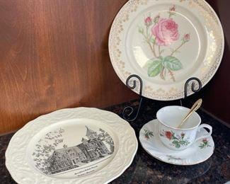 CLEARANCE !  $2.00 NOW, WAS $10.00....................Glassware: Saint John's Catholic Church Rochester MN (H059)