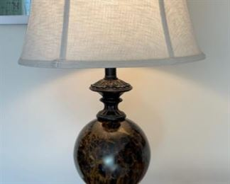 """CLEARANCE !  $6.00 NOW, WAS $30.00...................Lamp 34"""" tall (H014)"""
