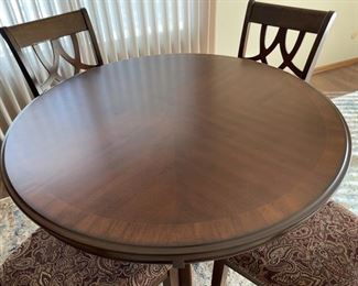 """Top View: Table and 4 Chairs, excellent condition table is 42"""" round and 31"""" tall (H003)"""