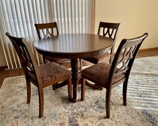 """$250.00....................Table and 4 Chairs, excellent condition table is 42"""" round and 31"""" tall Like New (H003)"""