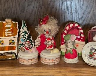 REDUCED!  $7.50 NOW, WAS $10.00..................Holiday Decor  (H196)