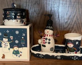 CLEARANCE !  $3.00 NOW, WAS $10.00..................Holiday Decor  (H191)
