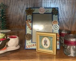CLEARANCE!  $3.00 NOW, WAS $10.00..................Holiday Decor  (H189)