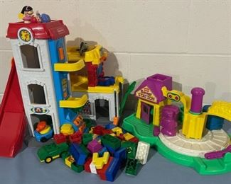 CLEARANCE !  $5.00 NOW, WAS $20.00..................Toys (H121)