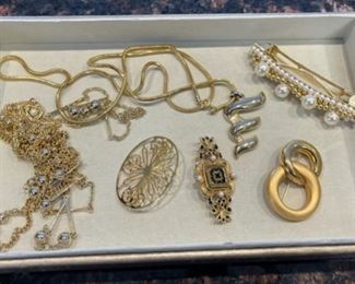 HALF OFF!  $4.00 NOW, WAS $12.00.......................Costume Jewelry (H117)